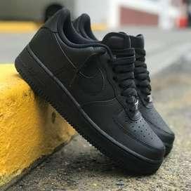 Zapatos nike four one talla 40 al 44 negros enteros pidelos
