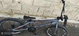 Vendo bicicleta biccros, BMX racing marca Chase talla pro