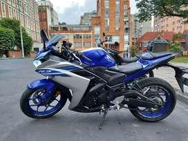 Se vende Yamaha R3 muy bien cuidada.