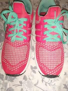 Zapatillas rosa nena