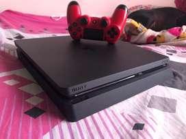 PS4 slim 500GB, con FIFA 20 y 3 juegos mas, 1 control y 6 meses de garantía. Recibo PS3 o PS4 en parte de pago.