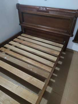 Vendo hermosa cama en cedro