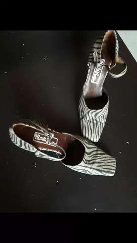 Zapatos de vestir Nro 37