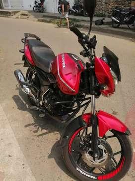 Se vende hermosa moto discover 150 st