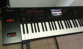Roland FA 06 Sintetizador