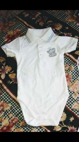 Vendo para bobito  camisa polo EPK 6/9 meses