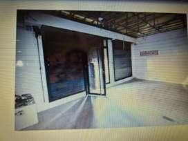 Local comercial con sótano y camara frigorífica zona abasto