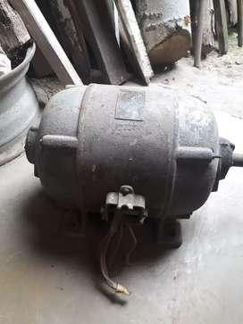 Motor trifacico marca emban