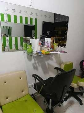 Se vende silla para peluquería en muy buen estado