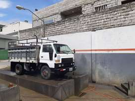 Se vende camión Delta , reparada la maquina y cabina pintada
