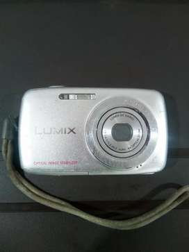 Cámara Lumix DMC s1 12.1mp 4 x zoom