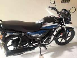 Se vende hermosa moto honda