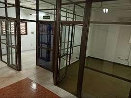 Oficina Centrica con aire y servicios $5.000.-
