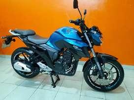 Vdo impecable YAMAHA FZ 250cc recibo motos