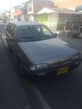 Vendo carro mazda 323 en Manizales