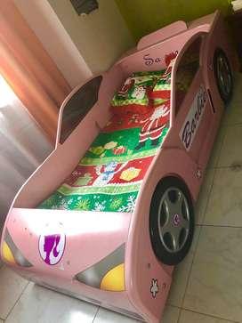 Cama carro Barbie