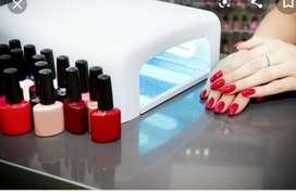 Necesito señorita experta en uñas acrilicas manicure pedicure
