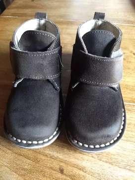 Botitas y zapatillas
