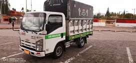 Se vende camión de carga liviana.