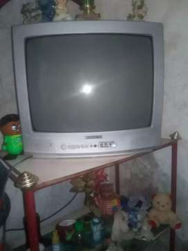 Tv excelentes condiciones.