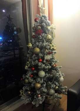 Árbol navidad 1.8mt (incluye instalación y adornos)