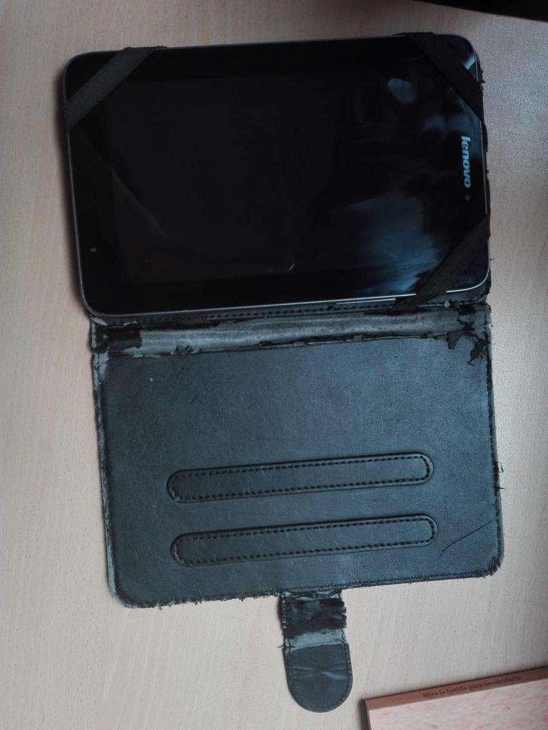 Tablet con funda 0