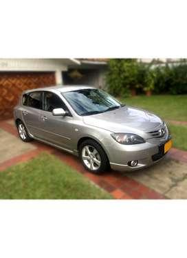 SE VENDE en Cali, Mazda 3 Modelo 2006. Mecánico. Motor 2.0., 155.000 Km. En excelente estado y con documentación al día.