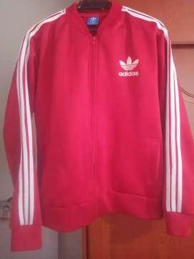 Chequeta roja Adidas