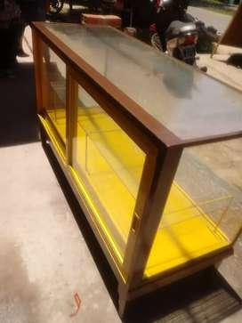 Vitrina de vidrio exibidora impecable muy linda con estante