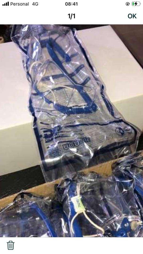 Gafas protectoras patillas regulables usadas por personal de salud