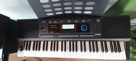 Piano Sintetizador Kurzweil KP 100 con soporte