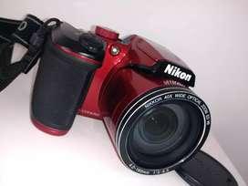 Cámara Nikon B500 color rojo (como nueva)