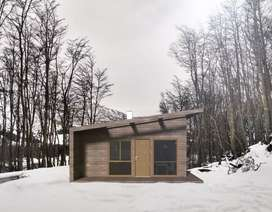 WOOD HOUSE & LOTE