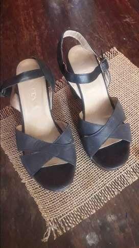 Sandalias de Cuero taco de madera