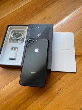 iphone 8 plus color negro.