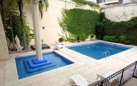 alquilo por dia en Caballito 4/5 personas piscinas .-parrilla
