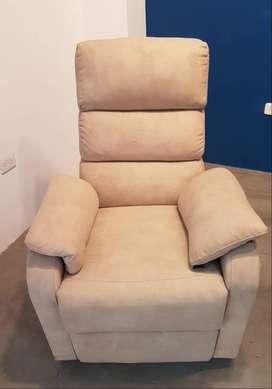 Elegante sofá reclinable