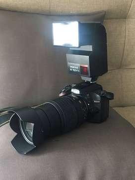 Cámara nikon d 3200 + lente + flash externo + cargador