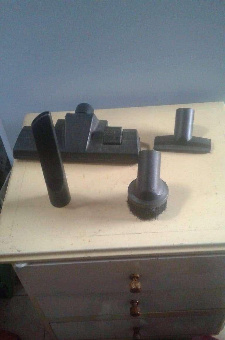 Venta Kit de 7 Accesorios de Aspiradora BLACK DECKER - Usados   (precio negociable))