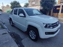 En San Miguel de Tucumán Amarok automática 4x2 180 HP con accesorios recibo auto o camioneta a cuenta