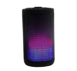 Parlante Klip Luz Led Bluetooth Usb Kws-612m Ipx4 Kromatik