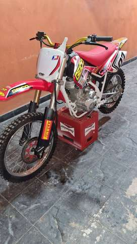 Motomel X3M. TITUTAR