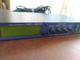 Reverb Yamaha REV 500