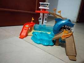 Pista hot wheel tiburón