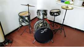 Bateria Musical Mediana Marca First .