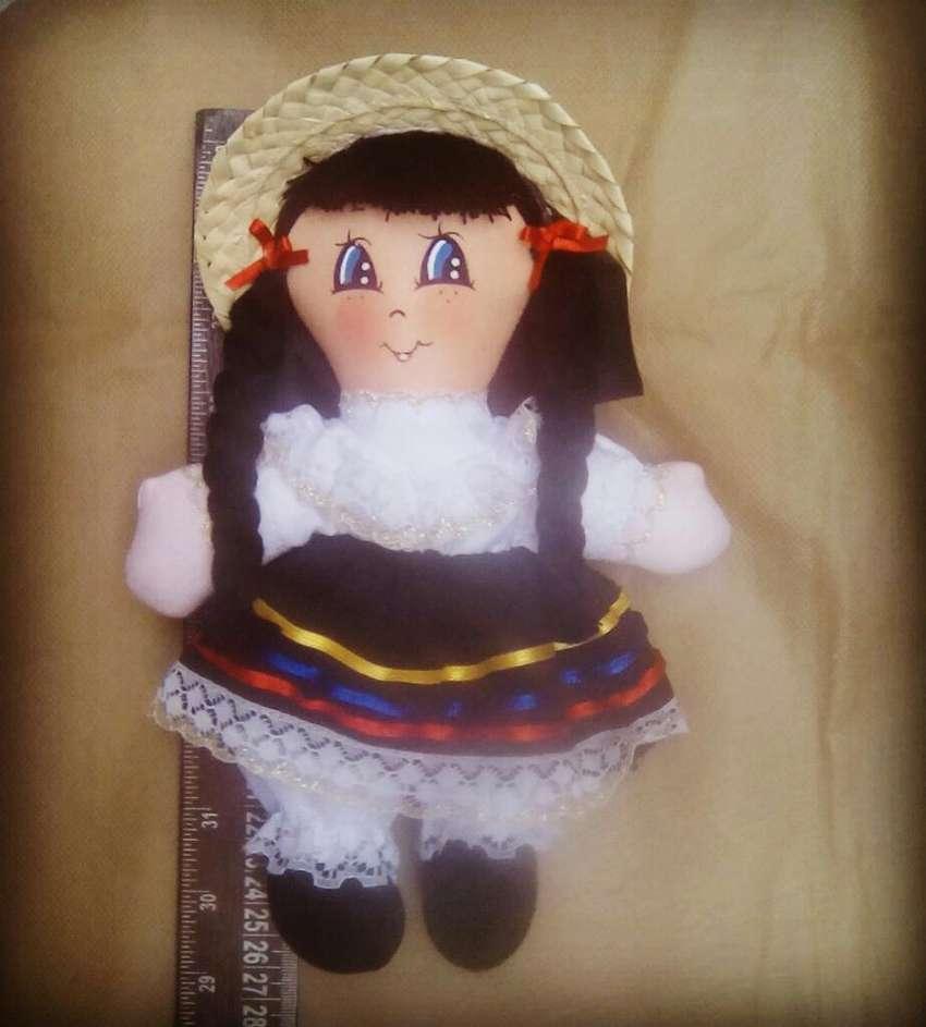Muñeca de Trapo Colombiana Campesina 0