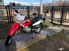 Vendo moto honda XR 150L