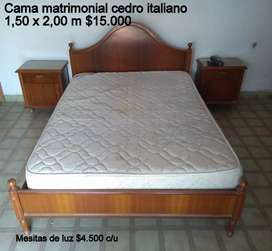 Cama 2 plazas cedro italiano  usada sin el colchon