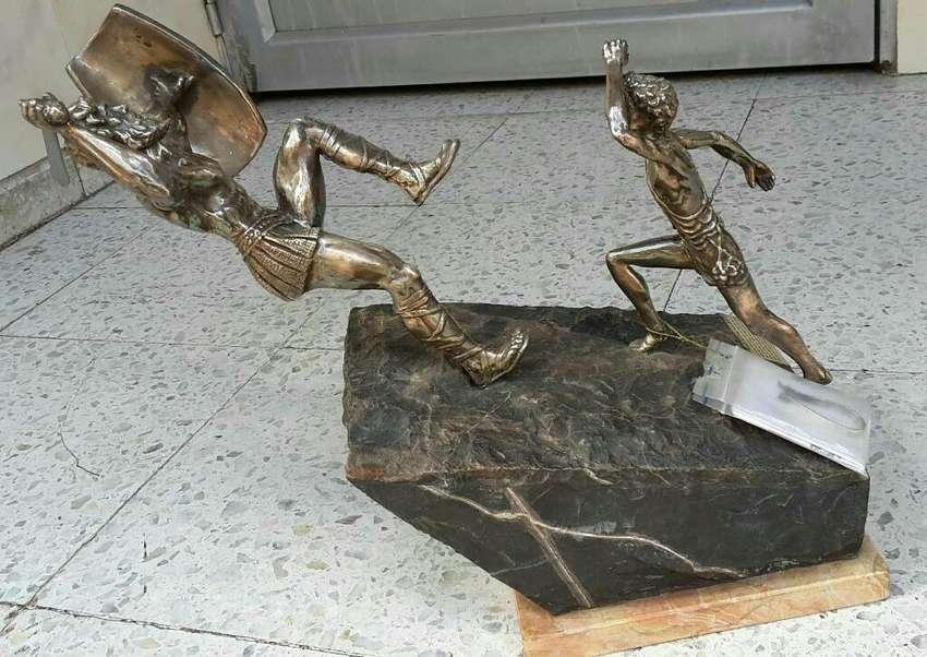 Escultura David Y Goliat en Plata y marmol Yaakov Heller Jerusalen 0