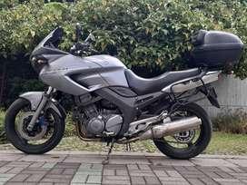 Magnifica Yamaha TDM900
